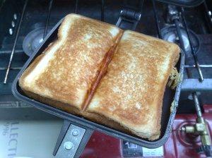 20100530中はハム&チーズ